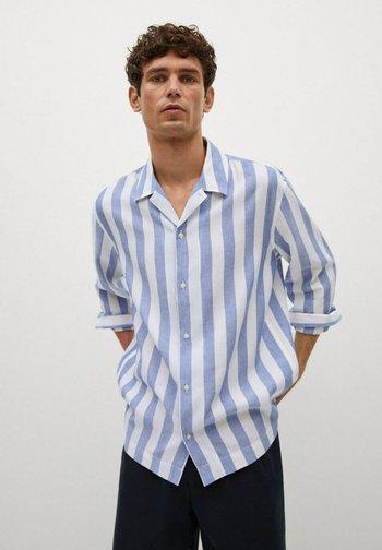 FLIESSENDES REGULAR FIT - Shirt - blau