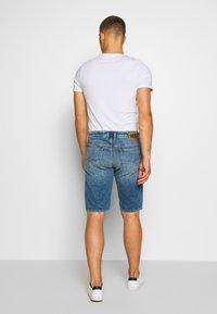 Diesel - THOSHORT - Szorty jeansowe - dark blue denim - 2