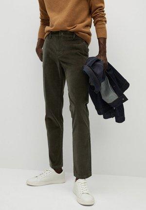 BERDAM - Trousers - dunkelgrün
