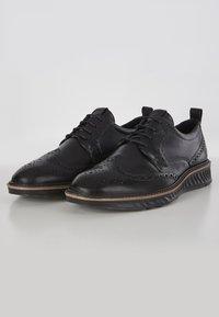 ECCO - ST.1 HYBRID  - Zapatos con cordones - black - 2