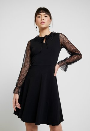 DETAIL FIT and FLARE - Žerzejové šaty - black