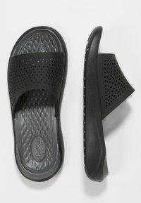 Crocs - Badesandale - black/slate - 1