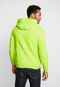 Brave Soul - MAGENTA - veste en sweat zippée - neon yellow - 2