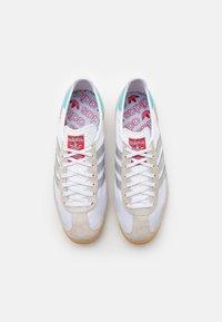 adidas Originals - SL 72 UNISEX - Zapatillas - footwear white/metallic silver/grey one - 3