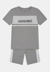 Jack & Jones Junior - BLOCK CREW NECK SET - T-shirt print - drizzle - 0