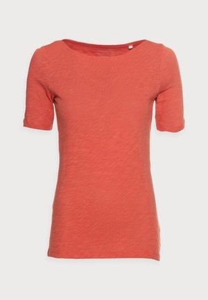 T-shirts - burnt orange