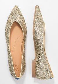 Chatelles - AMÉDÉE - Ballet pumps - light gold glitter - 3