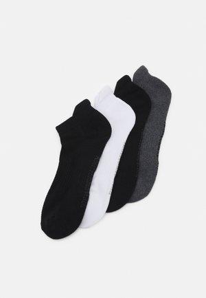 TRAVELER ANKLE SOCKS 4 PACK - Ponožky - black/white/grey