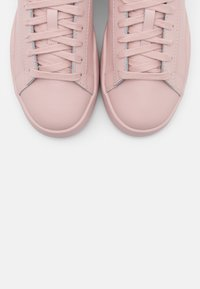 Diesel - CLEVER S-CLEVER LOW LACE W - Trainers - soft pink - 5