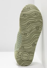 Woden - Ydun Suede Mesh - Trainers - dusty olive - 6