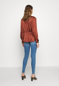 ONLY - ONLCORAL DEST AMOM - Jeans Skinny Fit - medium blue denim - 2