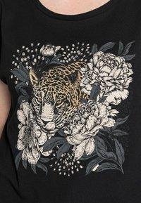 Cream - FREDRIKKA - Print T-shirt - pitch black - 4