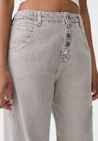 PULL&BEAR - Straight leg jeans - grey - 3