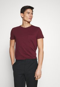 Pier One - Basic T-shirt - bordeaux - 0