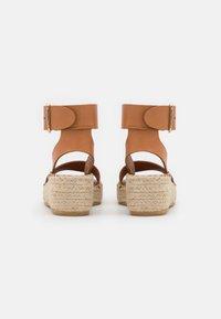 Billi Bi - Korkeakorkoiset sandaalit - cognac - 3