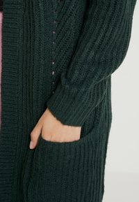 ONLY - ONLBERNICE - Cardigan - green gables/black melange - 5