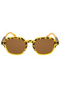 Sunheroes - GLENN - Solglasögon - matt yellow - 1
