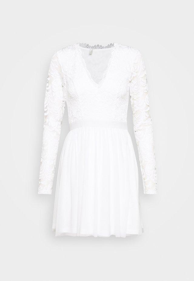 SCALLOPED DRESS - Robe de soirée - white
