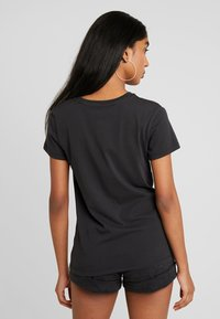 Levi's® - THE PERFECT TEE - Print T-shirt - black
