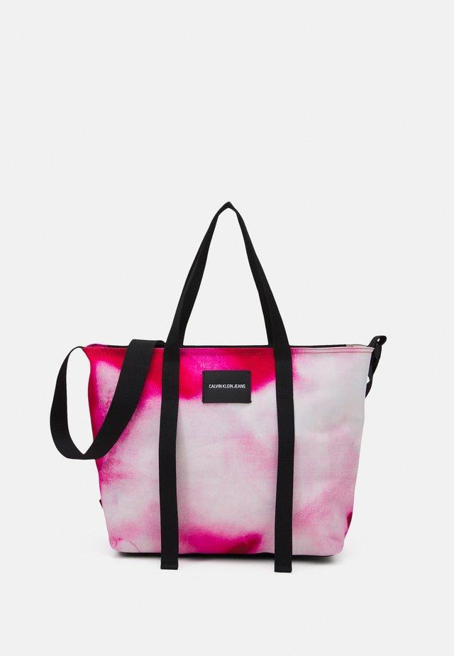 SHOPPER MARBLE - Velká kabelka - pink
