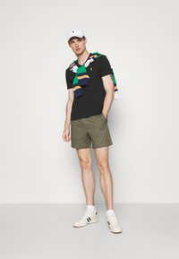 Polo Ralph Lauren - 6-INCH POLO PREPSTER TWILL SHORT - Shorts - expedition olive - 1