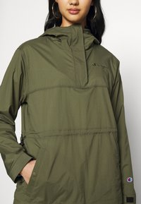 Champion Reverse Weave - JACKET - Windbreaker - olive - 4