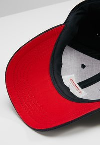 Fila - BASEBALL FORZE - Caps - peacoat blue/fila red - 6