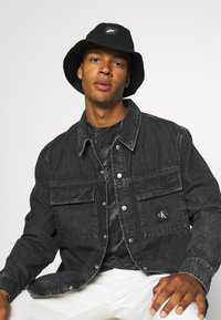 Calvin Klein Jeans - UTILITY SHIRT JACKET - Denim jacket - black - 3