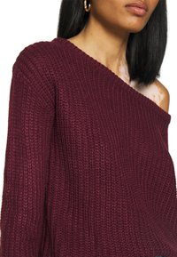 Missguided - OPHELITA OFF SHOULDER JUMPER - Pullover - burgundy - 5