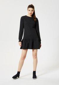 Talence - Vestito di maglina - black - 1