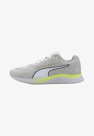 SPEED SUTAMINA WNS - Neutral running shoes - white/grayyellow/orange