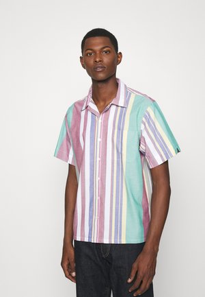 CLASSIC FIT STRIPED OXFORD CAMP SHIRT - Shirt - green/red multi