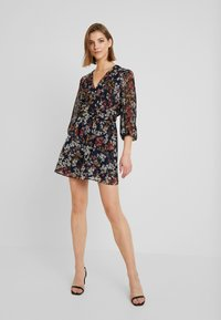 ONLY - ONLDAISY  SHORT DRESS - Kjole - sky captain/cool branches - 1