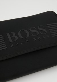 BOSS - PIXEL WASHBAG - Kosmetiktasche - black - 2