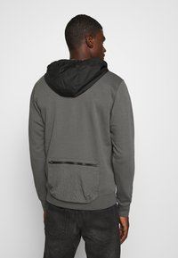 Nike Sportswear - HOODIE - Jersey con capucha - iron grey/black - 2