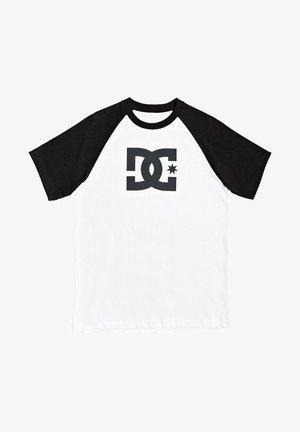 STAR RAGLAN - Print T-shirt - white/black