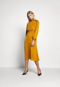 Closet - CLOSET HIGH NECK MIDI DRESS - Day dress - mustard - 1