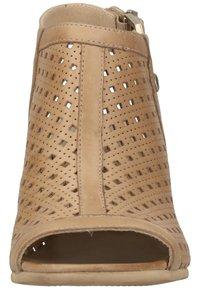 NeroGiardini - Ankle cuff sandals - champagne 439 - 5