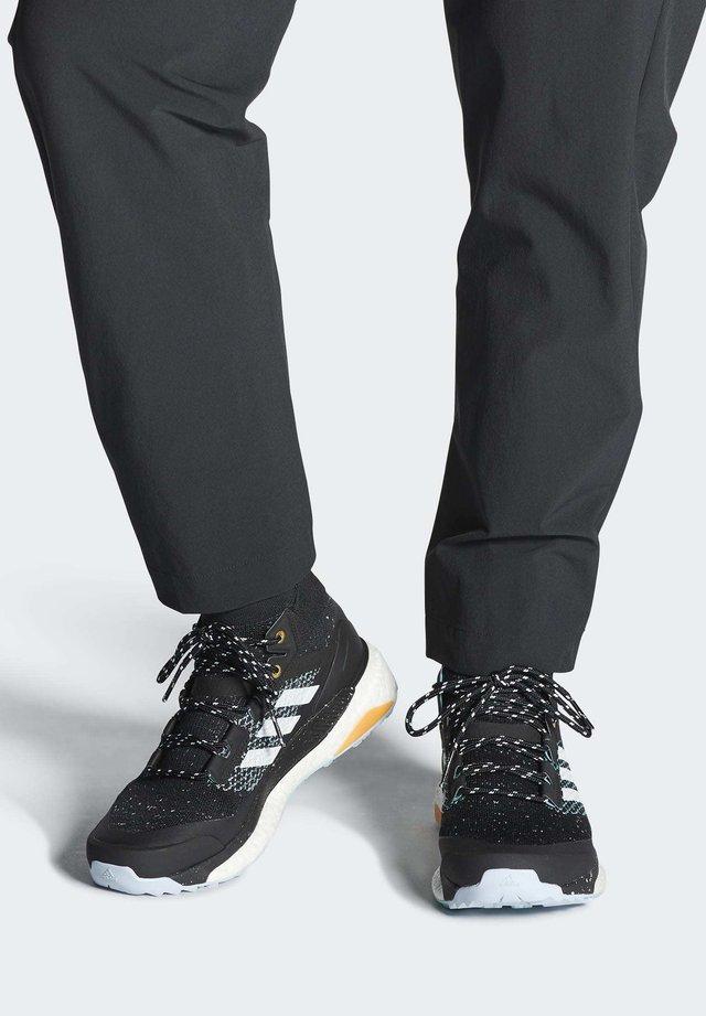 TERREX FREE HIKER PARLEY HIKING SHOES - Outdoorschoenen - black