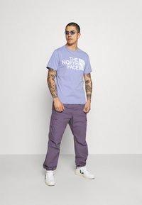 The North Face - STANDARD TEE - T-shirt imprimé - sweet lavender - 1