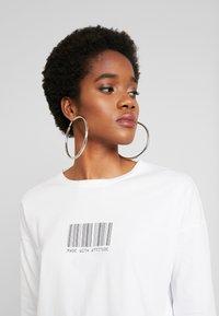 Noisy May - NMODESSA - Camiseta de manga larga - bright white/black - 3