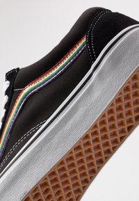 Vans - OLD SKOOL - Sneakersy niskie - black/multicolor/true white - 7