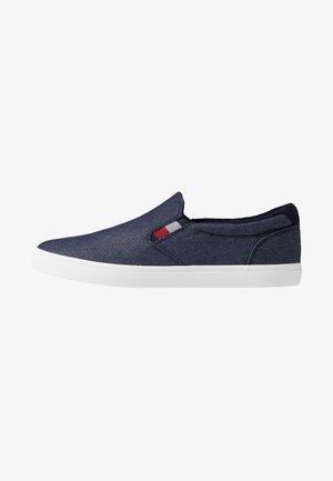 ESSENTIAL - Slipper - blue