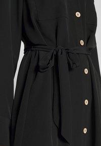Monki - LIV UTILITY DRESS - Skjortekjole - black - 4