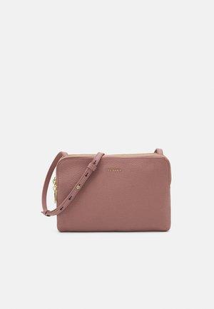 CIARRAA - Across body bag - pink