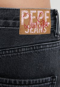 Pepe Jeans - DUA LIPA X PEPE JEANS - Jeansy Relaxed Fit - denim - 5