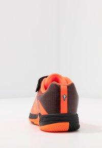 Kempa - WING 2.0 JUNIOR UNISEX - Boty na házenou - fluo orange/black - 3