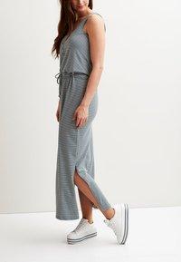 Object - OBJSTEPHANIE MAXI DRESS  - Maxi dress - urban chic - 2