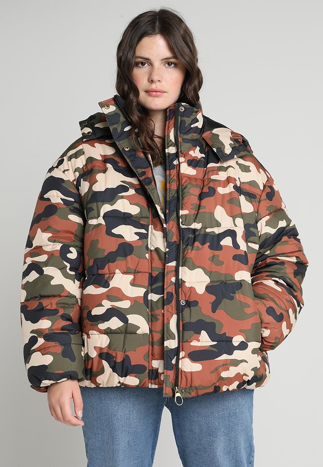 LADIES BOYFRIEND CAMO PUFFER - Winter coat - khaki