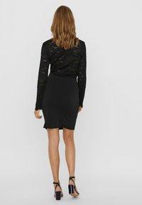 Vero Moda - Pencil skirt - black - 2